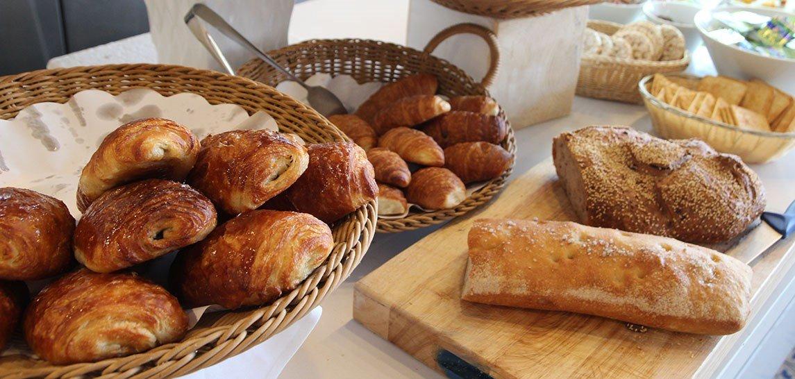 לחמים בארוחת בוקר